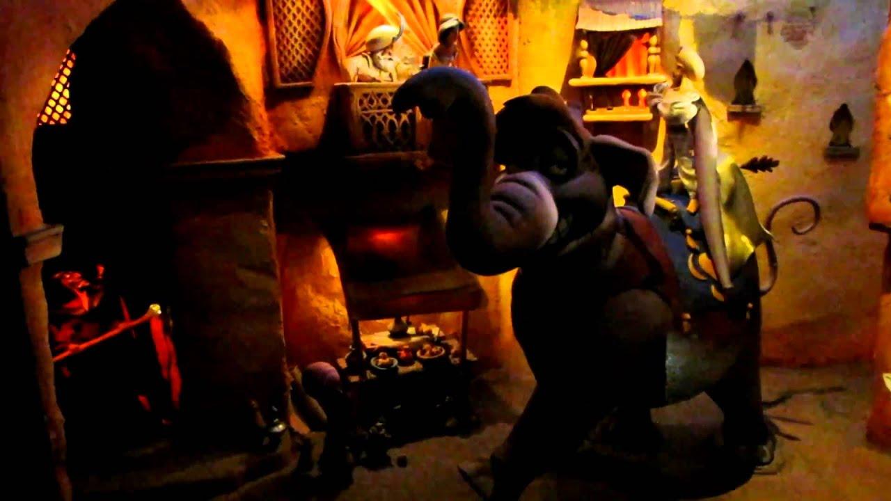 Le passage enchant d 39 aladdin at disneyland paris youtube - Le singe d aladdin ...