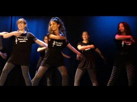 مسابقة رقصي مع رفقاتي!