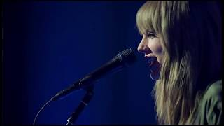 Taylor Swift - Delicate (acoustic live)