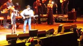 "Martina McBride & George Strait -   ""Golden Ring"" Thumbnail"