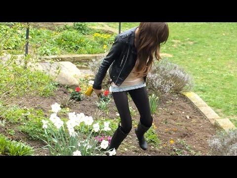 Die Exfreundin im Blumenbeet – Flower Crush