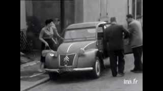 La 2CV Citroen Panorama hebdomadaire - 24/07/1956
