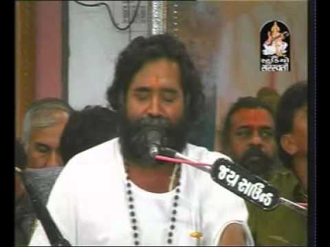 NIRANJAN PANDYA-KARSAN SAGATHIYA(DUET)- shivratri bhartia asram live