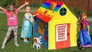 Sofia with Dolls build Playhouse for children