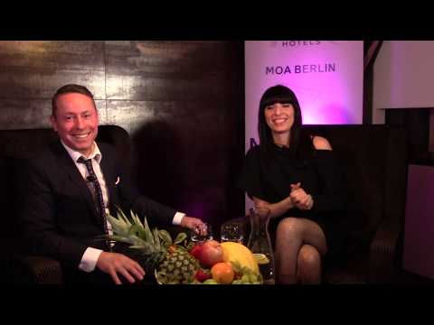 "Maya Nikolic Singer ""COSMA NOVA"" #TOPfive - Interview Concierge Mercure MOA Berlin"