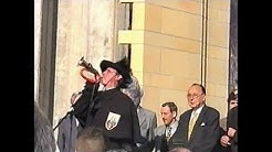Die Eröffnung der Galerie Roter Turm in Chemnitz mit Hans-Dietrich Genscher [2000]