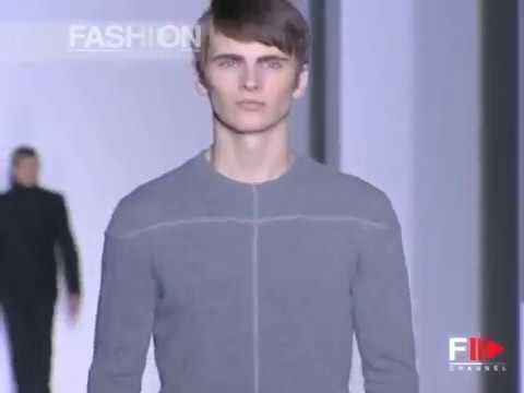 5b1f5159f Fashion Show
