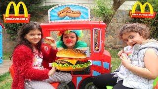 ACEMİ HAMBURGERCİ ELİF ÖYKÜ VE MASALI ÇOK ŞAŞIRTTI - Beginner Hamburger fun kid videos