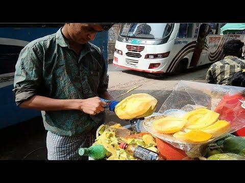 Fresh Healthy fruits papaya @ Tk 20 Per plate Roadside by Hard Working Seller/ Worker