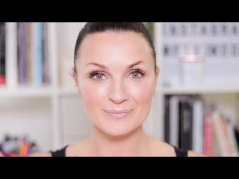 Makeup Sponge 101 | Makeup Tutorial | Real Techniques