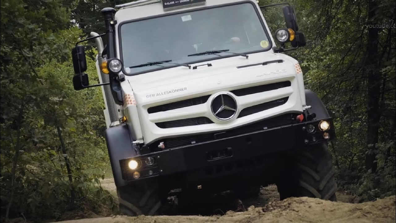 Watch a 2019 Mercedes-Benz G-Class and Unimog Annihilate Off