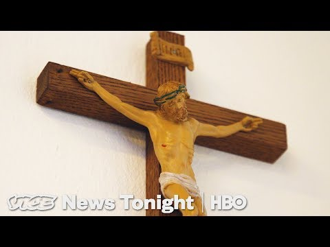 The Far-Right Is Trying To Make Crucifixes Mandatory In Italy (HBO)