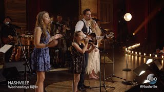 "Lennon & Maisy Stella, Clare Bowen and Chip Esten Sing ""Friend of Mine"" - Nashville On The Record"