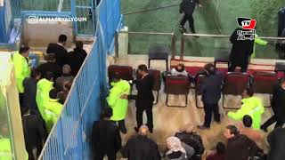 رمضان صبحي يتابع مباراة الأهلي والداخلية من مدرجات «بتروسبورت»