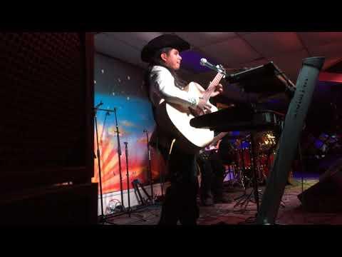 Grupo RAZA OAXAQUEÑA : En La Movida Night Club De Salinas Ca