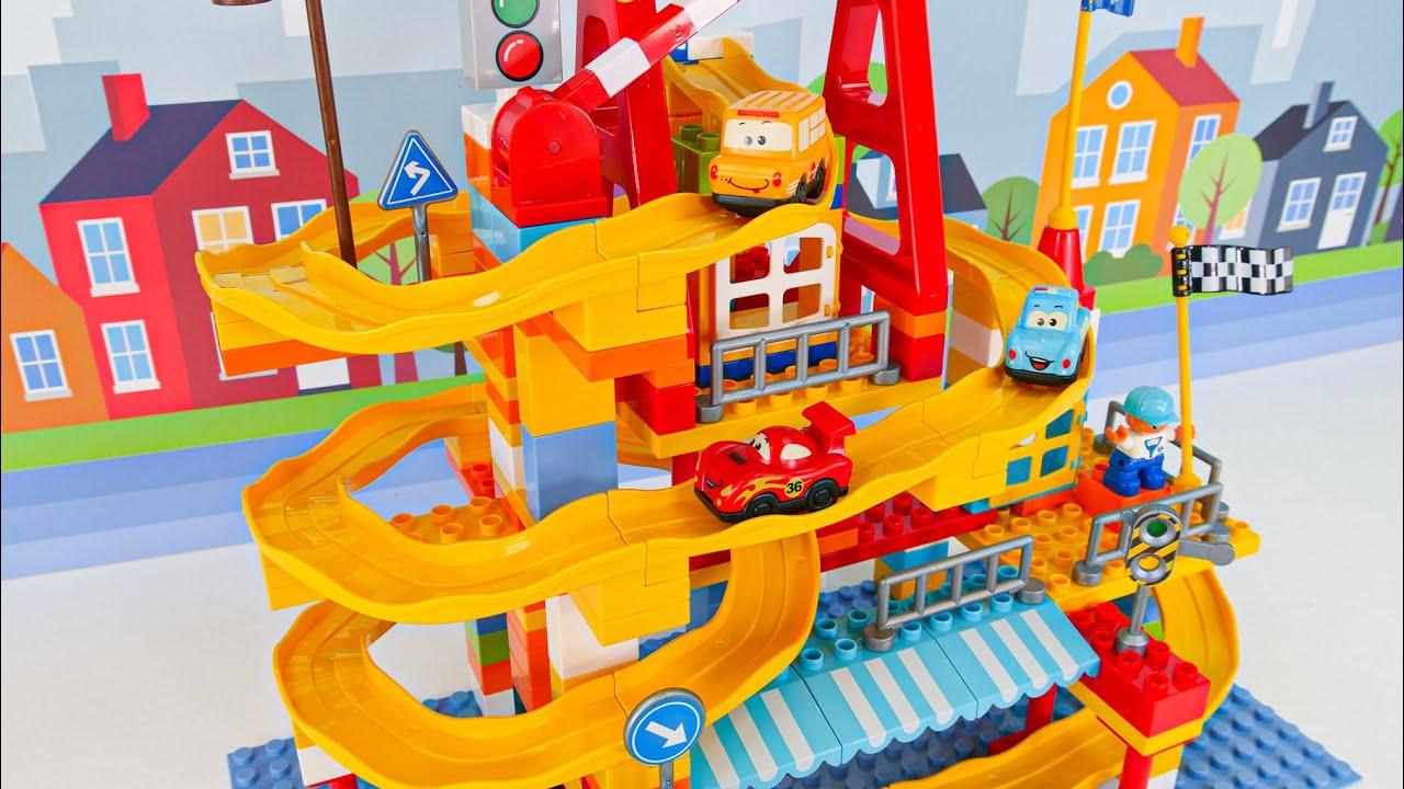Lego Car Track - बच्चों के लिए खिलौना सीखने का वीडियो!