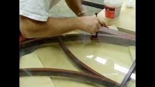 Cut curves in glass