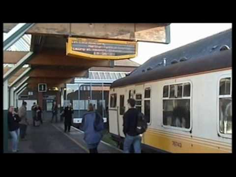 Southern slam door passenger tour train announcement at Littleh&ton 191105 & Southern slam door passenger tour train announcement at ...