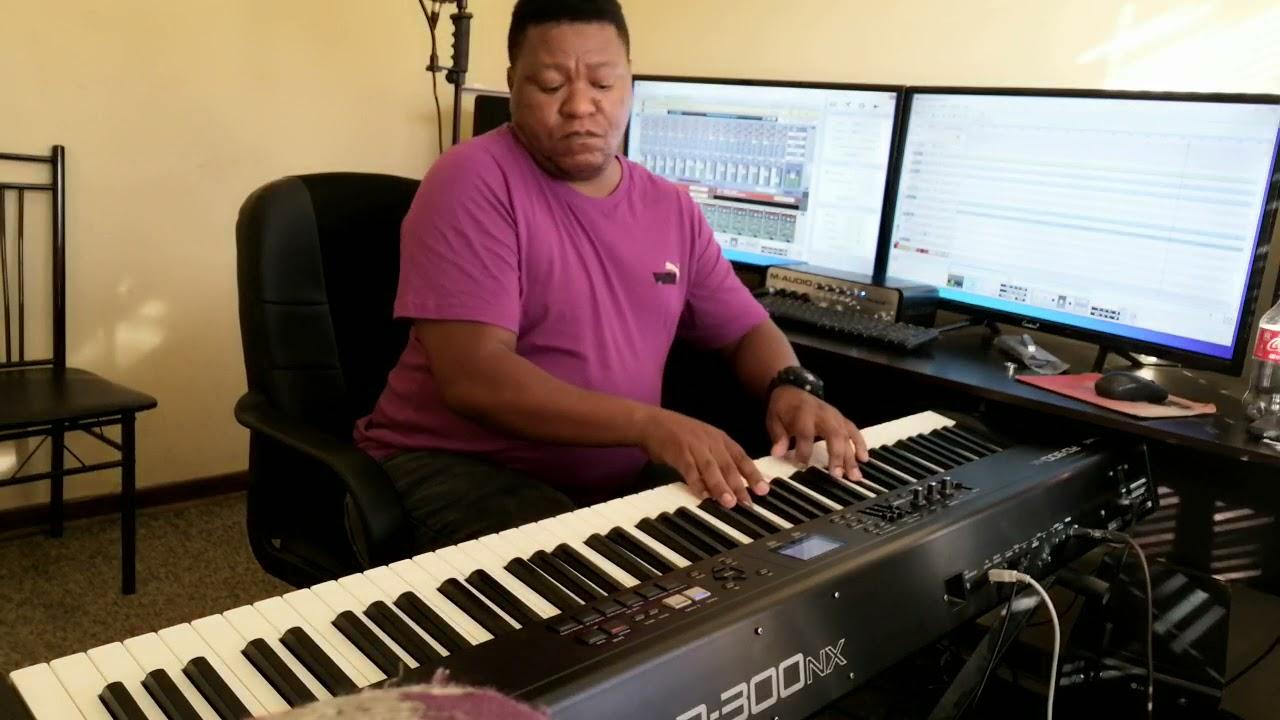 Download Keorapetse Melamu playing NOAMI'S FIRST DANCE by Selaelo Selota