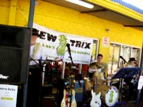 New Trix Band at Wanneroo Markets Part 1