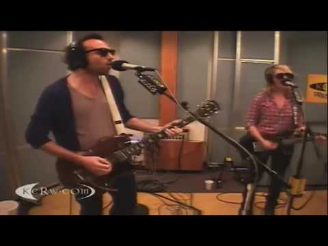 Metric - Gold Guns Girls (Live @ KCRW 2009)