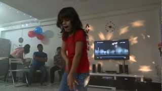 Saanvi performed on Crazy kiya re and chikni chameli bollywood songs