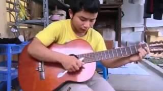 Chơi guitar bằng bàn chải đánh răng  Cực chất