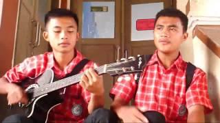 Dua Siswa SMK Almarwah Jurusan Rekayasa Perangkat Lunak (RPL) Menyanyikan Lagu David Cook Yang berjudul Always Be My Baby diiringi dengan ...