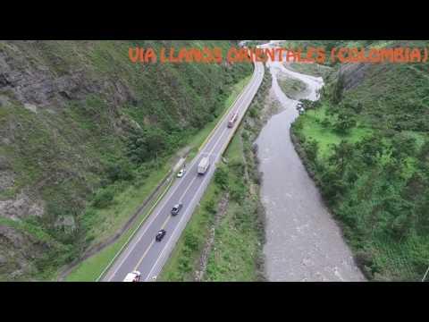 VISTA DESDE EL AIRE VIA A LOS LLANOS ORIENTALES ¨COLOMBIA¨