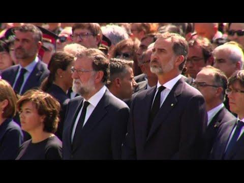 Barcellona, minuto di silenzio per vittime attacco sulle Ramblas