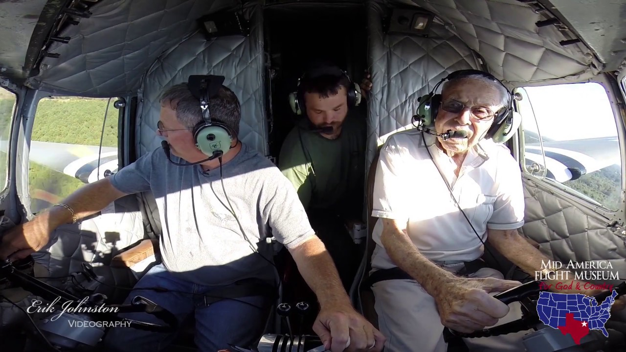 Download WWII Pilot Flies His C-47 One Last Time
