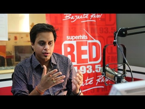 RJ Raunac Caught @ Red FM