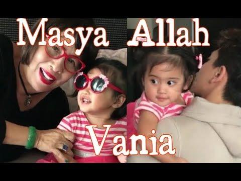 Cantiknya gaya Vania lagi hangout sama Niang,mama dan kak Athalla
