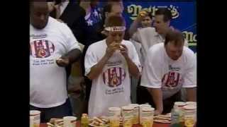 小林尊 全米デビュー 2001ホットドッグ早食い選手権 thumbnail
