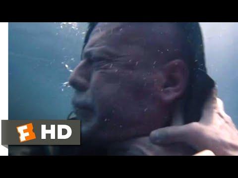 glass-(2019)---water-tank-fight-scene-(7/10)-|-movieclips
