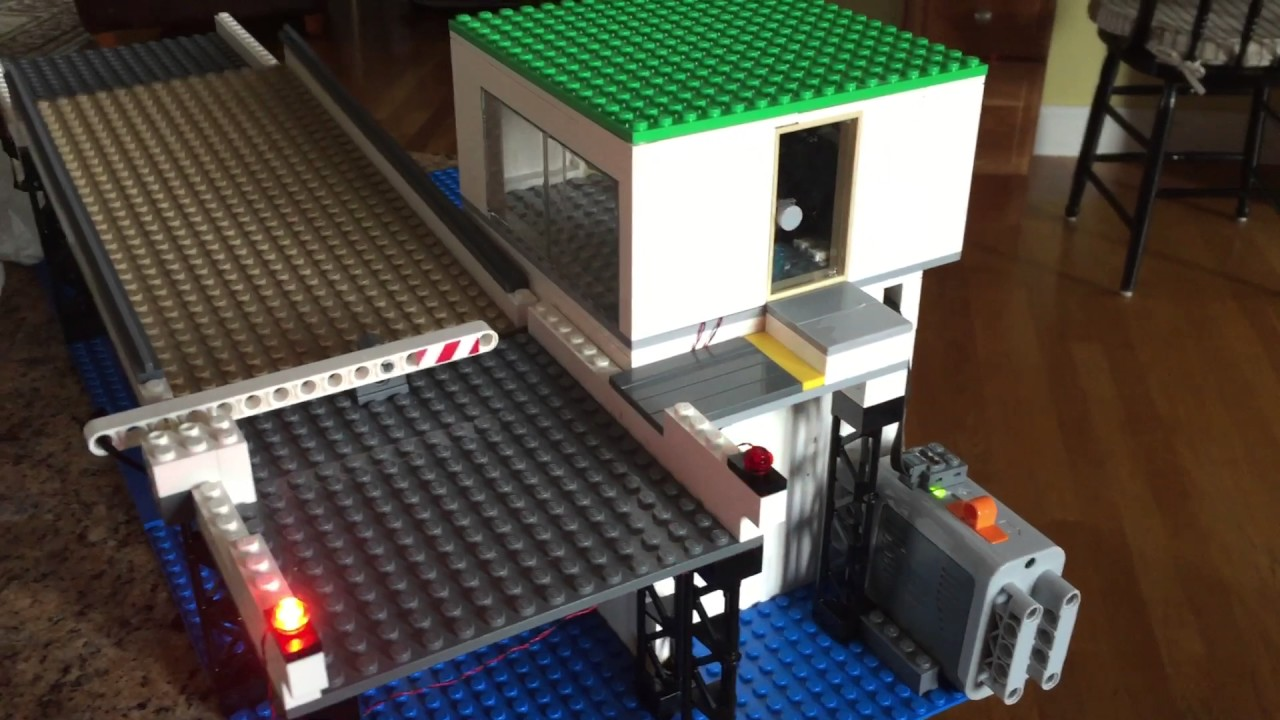 Lego Drawbridge Defense 7079