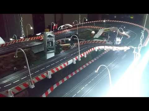 Carrera slot cars  D1/32 « ceiling drop »