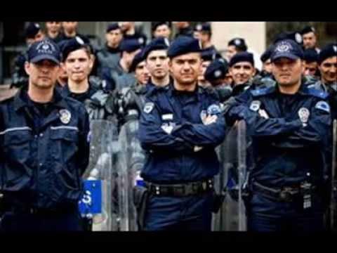 Elazığ Çevik Kuvvet Polisinden Müzik Ziyafeti