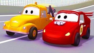Tom la Grúa y el Coche de Carreras en Auto City | Autos y camiones dibujos animados para niños thumbnail