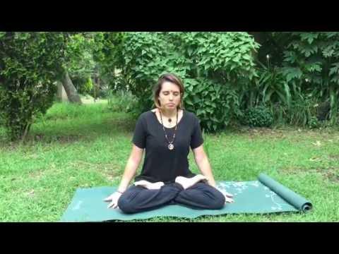 """Como hacer las posturas de Yoga """"PADMA ASANA"""" (Flor de loto) y YOGASANA"""