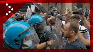 Green Pass, tafferugli a Milano: polizia affronta i No Green Pass