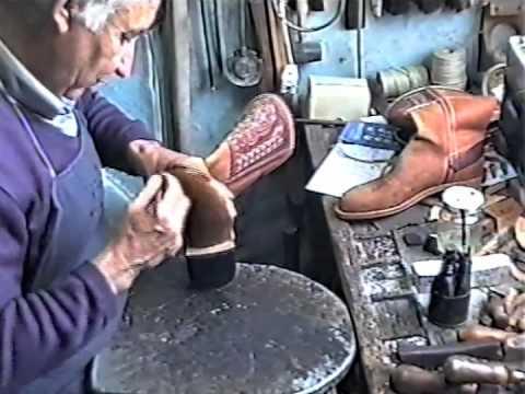 317cf6fa00a Artesano del Calzado - Elaboración de unos Botos Camperos Parte.2 - YouTube