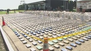 8 tonnes of cocaine seized in largest drugs bust in Colombia