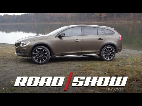 2017 Volvo V60 Cross Country is the perfect place for your pups