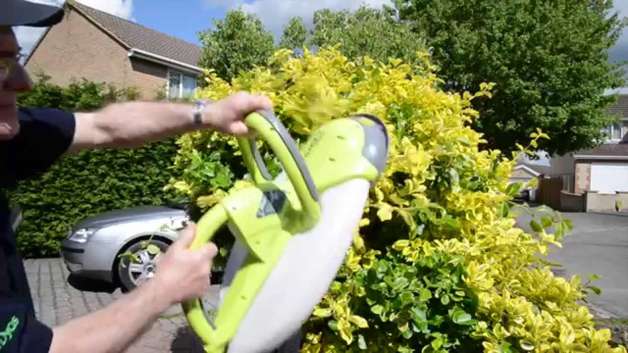 Shape Hedges Quickly With The Garden Groom Hedge Trimmer