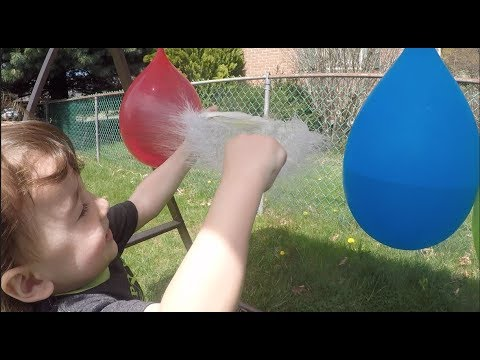 Learn Colors with Water Filled Balloon Popping Activity