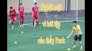 Nhật ký AFF Cup 2018 ngày 13/11: HLV Park Hang-seo khiến cầu thủ Việt Nam choáng váng