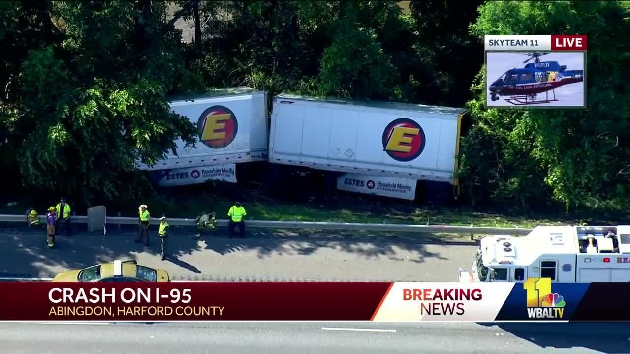 Tractor-trailer crash on I-95 causes miles of backups