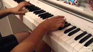 музыка на пианино из фильма Ля профессионал!