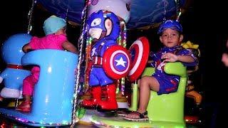 Download Video Captain America Berpatroli Naik Odong Odong Superhero di Taman Kota MP3 3GP MP4